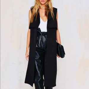 Black Sleeveless Belted Trench Duster